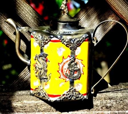 Teapot, yellow, silver12