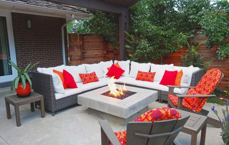 Outdoor Room with Glass Topped Fire Pit