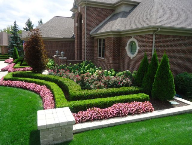 Chic front yard landscaping