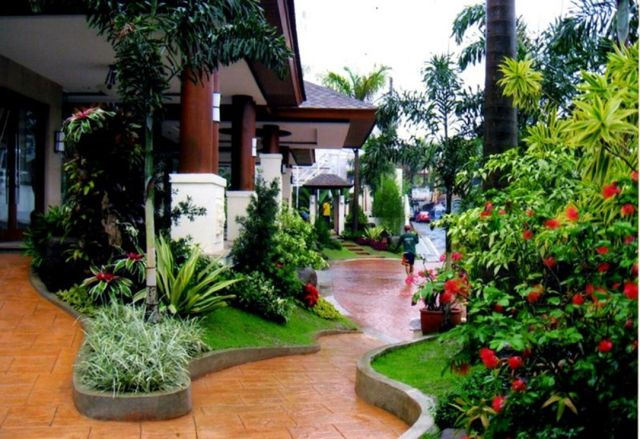 Front Yard Garden Design And Landscaping
