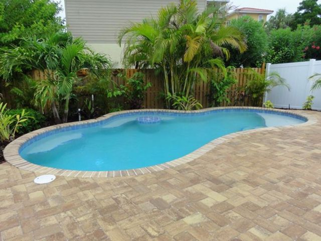 Perfect size beach pool design for small backyards
