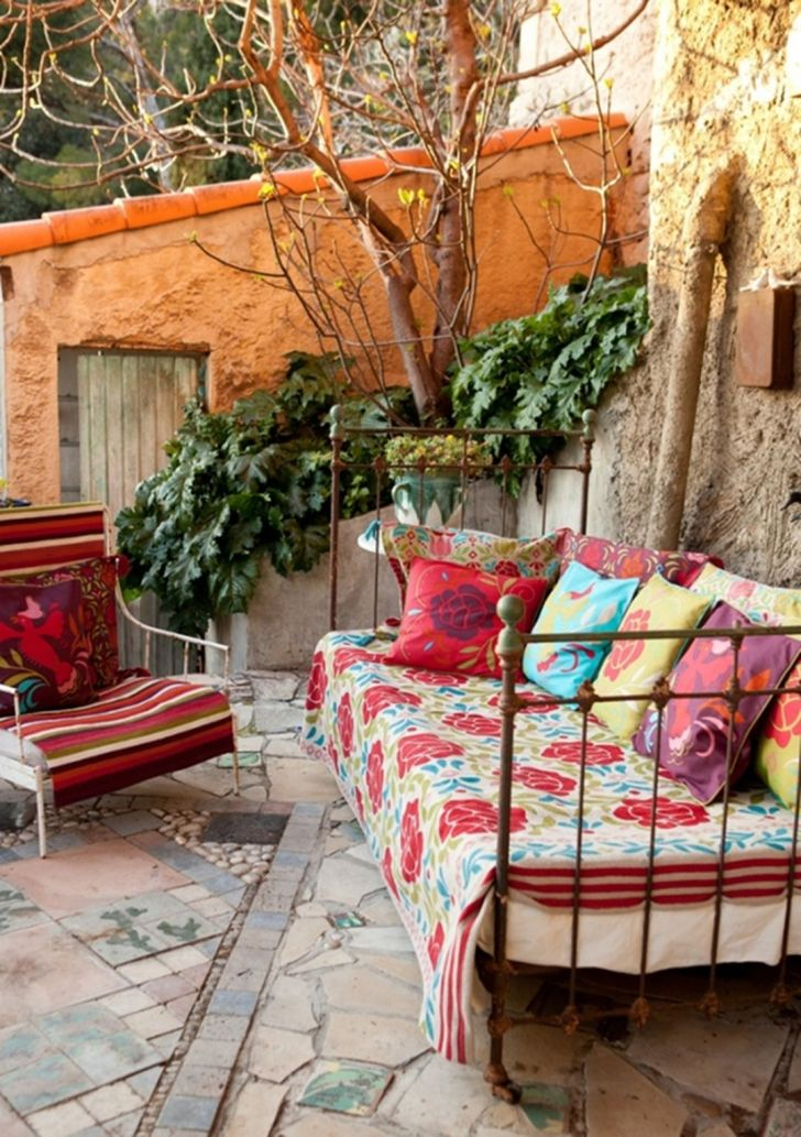 33 Gorgeous Bohemian Outdoor Patio Designs For Cozy ... on Cozy Patio Ideas  id=56897