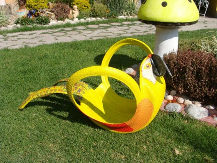 Make garden decoration yourself by Use old Tired