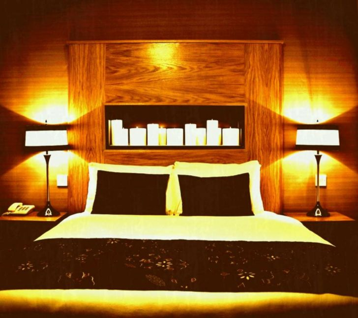 Romantic Bedrooms With Candles