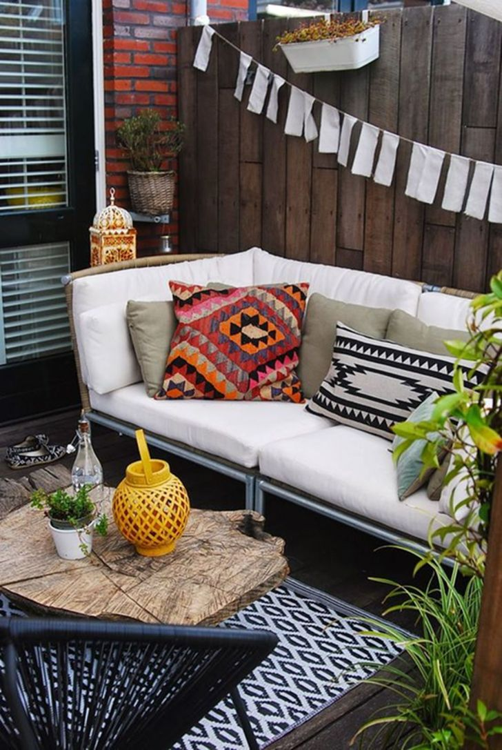 Small Yard With Bohemian Style
