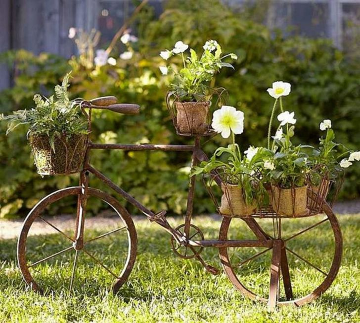 The garden decoration recycle ideas