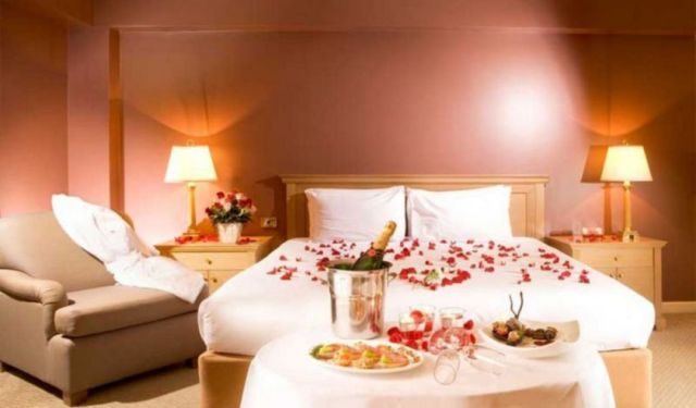 30 Most Charming Romantic Bedroom Decorations For Valentine S Day Dexorate