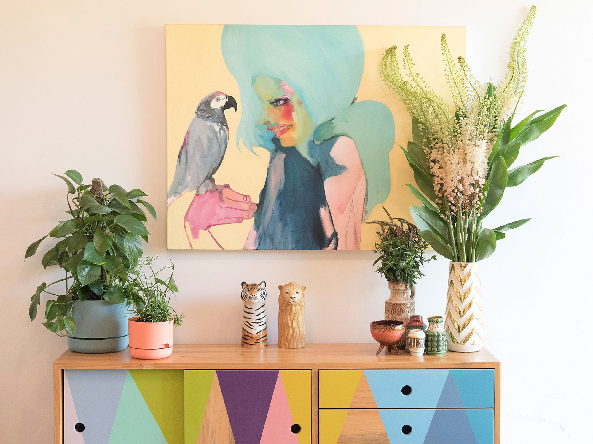 Display With Pastel Color