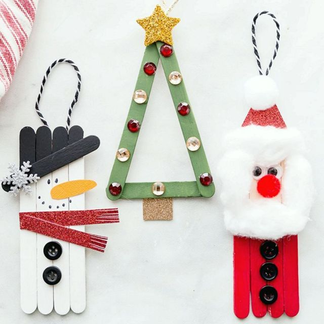 This is an adorable DIY craft. We believe your child will love making them. Because it is cute and looks beautiful to hang as a Christmas ornament on the Christmas tree.