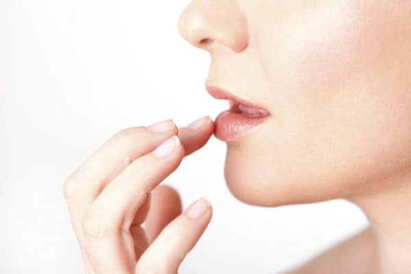 Causes of tingling lips