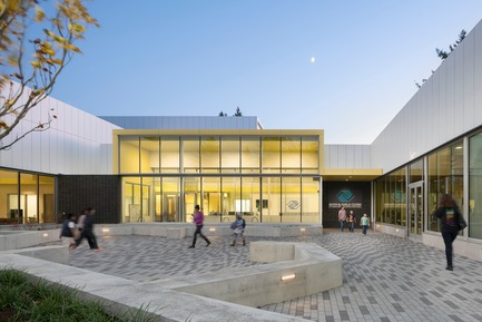 Press kit   2637-03 - Press release   GRAY Magazine Announces the Winners of the 2018 GRAY Awards - GRAY Magazine - Competition - Rockwood Youth Campus by Holst Architecture - Photo credit: Andrew Pogue