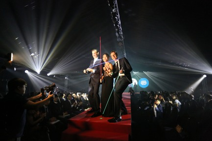 Press kit   2188-03 - Press release   Red Dot Award: Design Concept 2018 Results - Red Dot Award: Design Concept - Competition - SCHOTT Lighting and Imaging from Germany on the runway for the design concept SCHOTT® LuminaLine - Photo credit: Red Dot Award: Design Concept