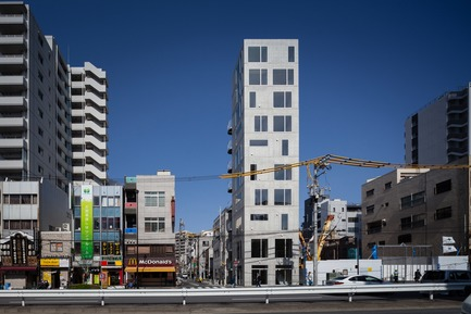 Press kit   809-21 - Press release   AZURE Reveals the Winners of the 2017 AZ Awards - AZURE - Competition - Tatsumi Apartment House, Tokyo, Japan<br>Hiroyuki Ito Architects, Tokyo, Japan<br>Best Residential Architecture, Multi-Unit - 2017 AZ Awards  - Photo credit: AZURE