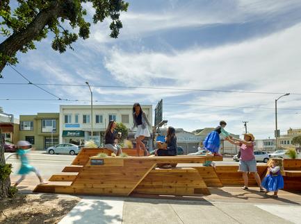 Press kit   1562-01 - Press release   Sunset Parklet receives Special Recognition in Urban Design Award - INTERSTICE Architects - Urban Design - Photo credit: Cesar Rubio<br>