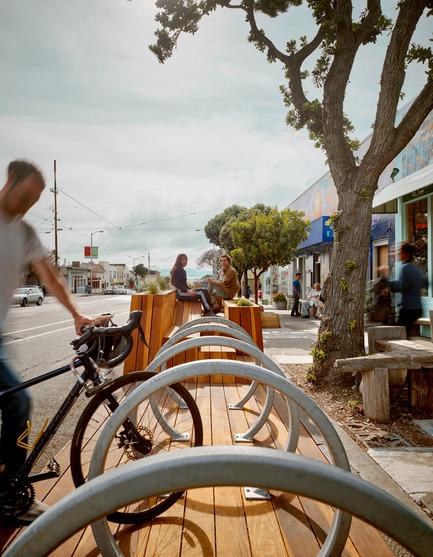 Press kit   1562-01 - Press release   Sunset Parklet receives Special Recognition in Urban Design Award - INTERSTICE Architects - Urban Design - Photo credit:  Interstice