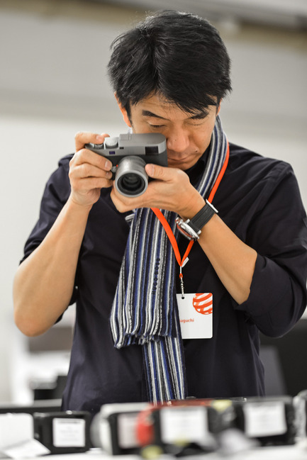 Press kit | 1696-03 - Press release | Independent as always – bigger than ever before: The international Red Dot jury uncovers the best products for 2016! - Red Dot Award - Competition - Red Dot juror Hideshi Hamaguchi - Photo credit: Red Dot