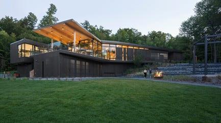 """Press kit - Press release - The """"Centre de Services Le Bonnallie"""" - Anne Carrier architecture"""