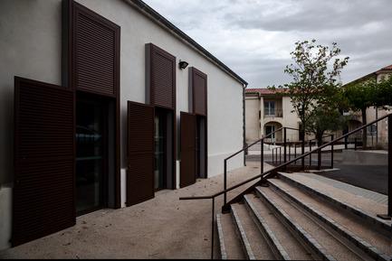 Press kit | 921-09 - Press release | Jacou wedding room - NBJ architectes - Institutional Architecture - Wedding room of Jacou exterior - Photo credit: Leslie Verdet