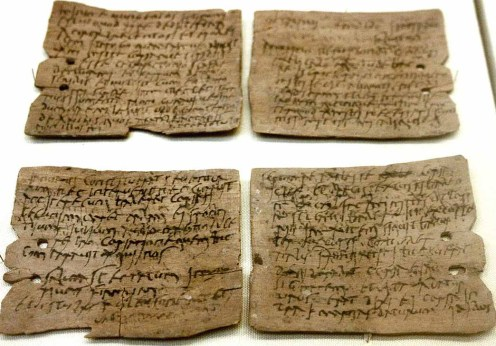 1280px-Roman_writing_tablet_02
