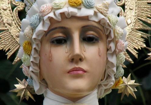 Fecioara Maria a apărut într un satuc