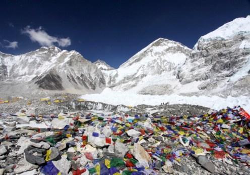 Cutremurele din Nepal au deplasat Everestul
