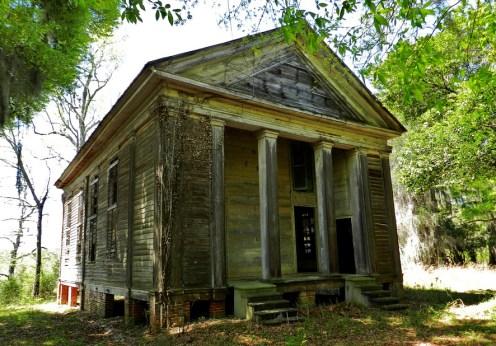 O biserică şi un cimitir extrem de bântuite din Alabama