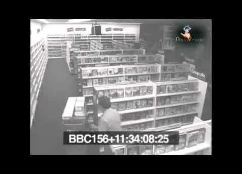 O fantomă filmată într-o videotecă