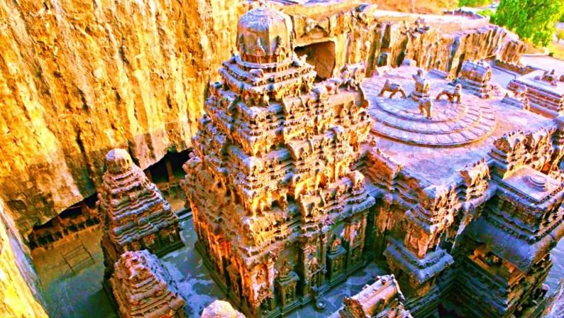 Templul enigmatic Kailasa de la Ellora1