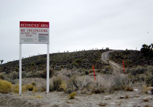 1024px-Wfm_x51_area51_warningsign