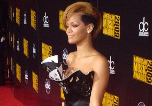 800px-Rihanna_AMA_2009_Red_carpet