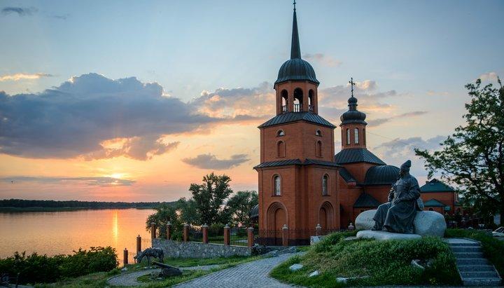 У Полтавській області спонсор, який збудував храм РПЦвУ, вирішив віддати його ПЦУ