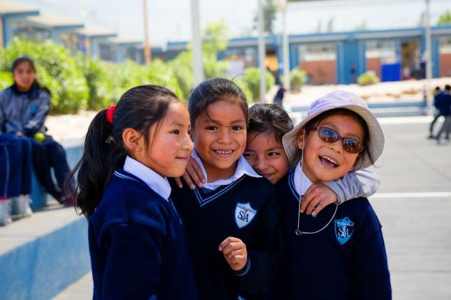Kinder der San Juan de Apostol Schule in Arequipa, Peru
