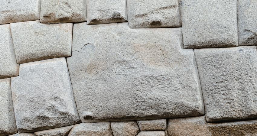 Der zwölfeckige Stein in Cusco.