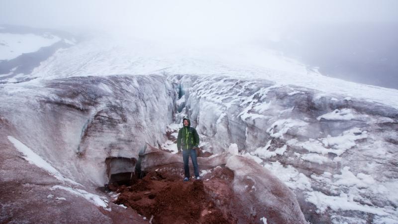 Bis zum Beginn der Eisschicht des Gipfelgletschers kann man wandern, ab dann geht es nur noch für Bergsteiger weiter hinauf zum Cotopaxi.