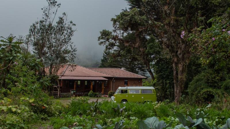 Gemüse- und Krätuergarten und das Gemeinderestaurant von Yunguilla.