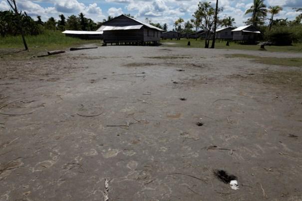 Kaikak, West Papuan refuguee village, Fly River (Michael Main)