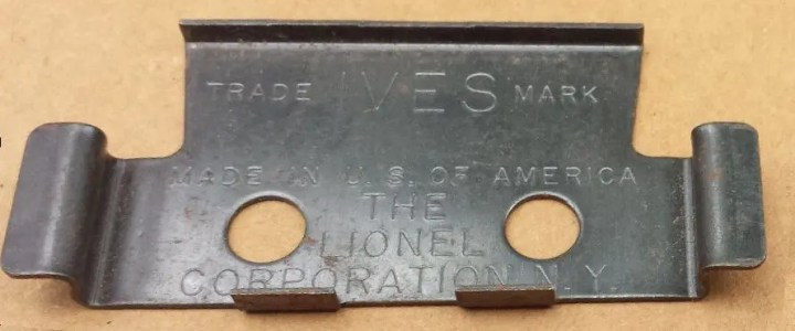 How Ives-branded track clips ended up in Lionel sets