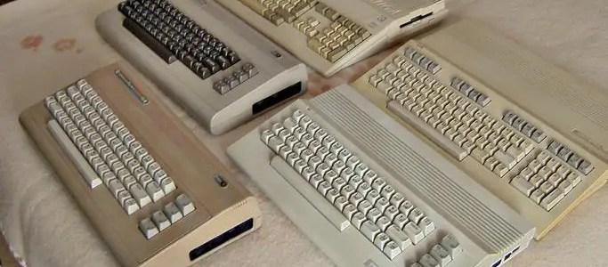 Commodore 64 vs 64c