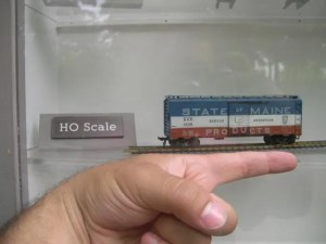 sizes of model trains: HO scale