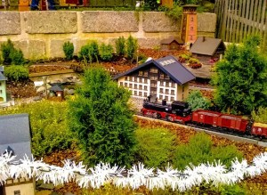 Save money on model trains - The Silicon Underground
