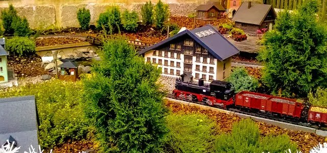 Save money on model trains