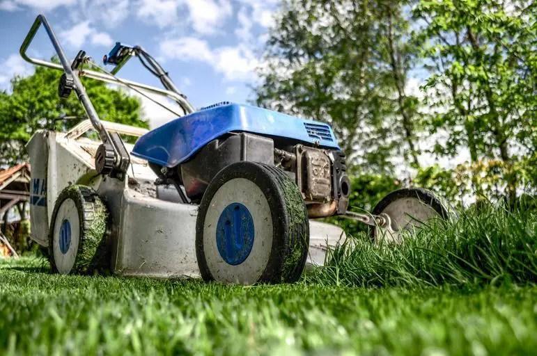 Lawn mower bogs down