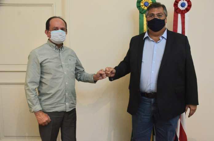 O prefeito de São José de Ribamar, Julinho César, e o governador Flávio Dino (Foto: Nael Reis)