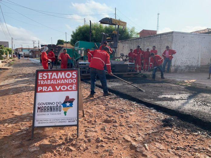 Pavimentação segue nas ruas do município de Coelho Neto (Foto: Divulgação)