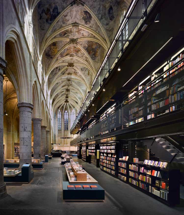 bookstore_selexyz_dominicanen_mga110808_roosaldershoff1