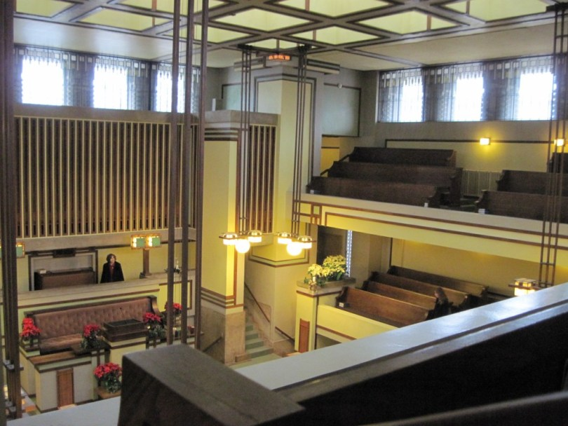 Lloyd_Wright_Unity_Temple_sanctuary_2