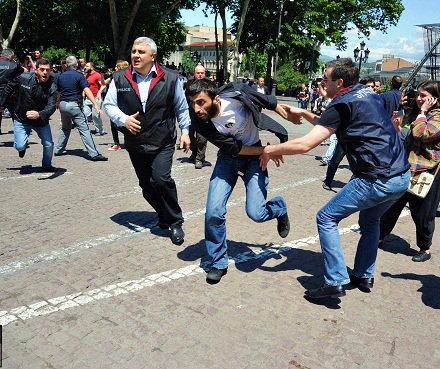 police and anti-LGBT demonstrators 2013-05-17