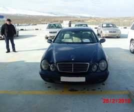 mercedes_for_sale_at_rustavi_car_market