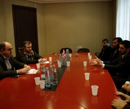 ombudsman_ucha_nanuashvili_and_muslim_leaders
