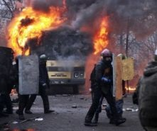 kiev interior ministry forces truck burning 2014-02-21
